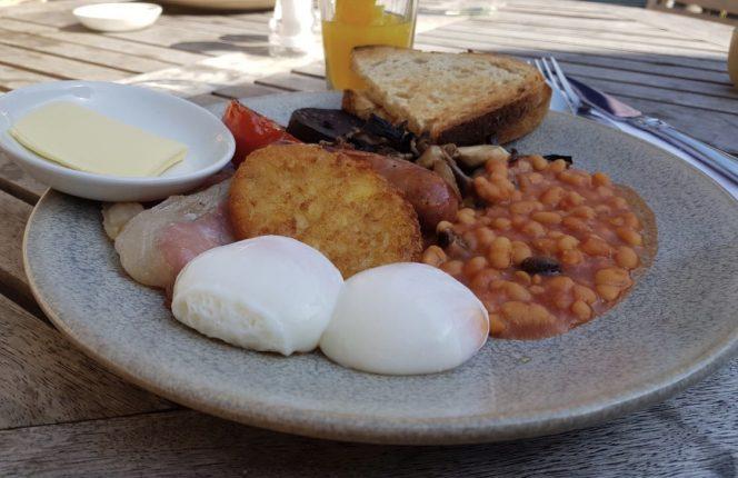 spread-eagle-breakfast